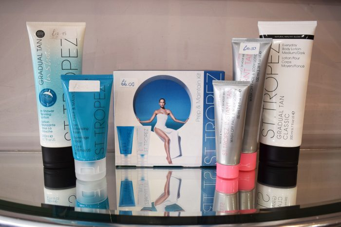 st. tropez fake tan set at scissors macclesfield